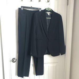 Worthington Stretch black suit